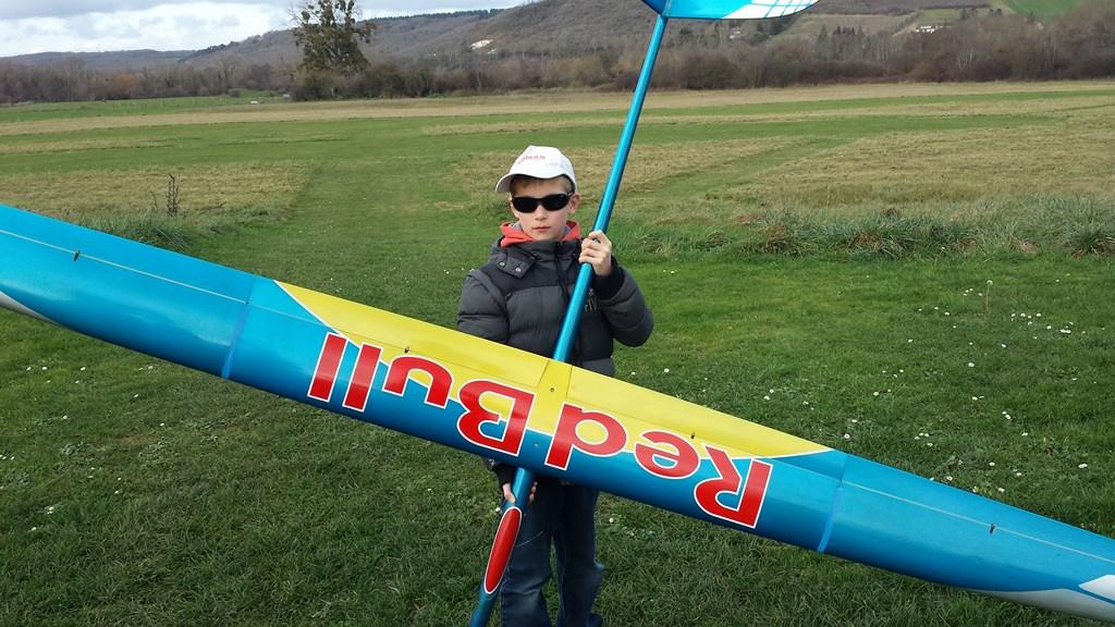 Baptiste (11 ans) test le F3J …